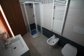 Agenzia_immobiliare_il_molo_Castiglione_della_Pescaia_appartamento_in_affitto_bagno_1