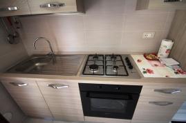 Agenzia_immobiliare_il_molo_Castiglione_della_Pescaia_appartamento_in_affitto_cucina_1