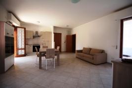 Agenzia_immobiliare_il_molo_Castiglione_della_Pescaia_appartamento_in_affitto_cucina_soggiorno